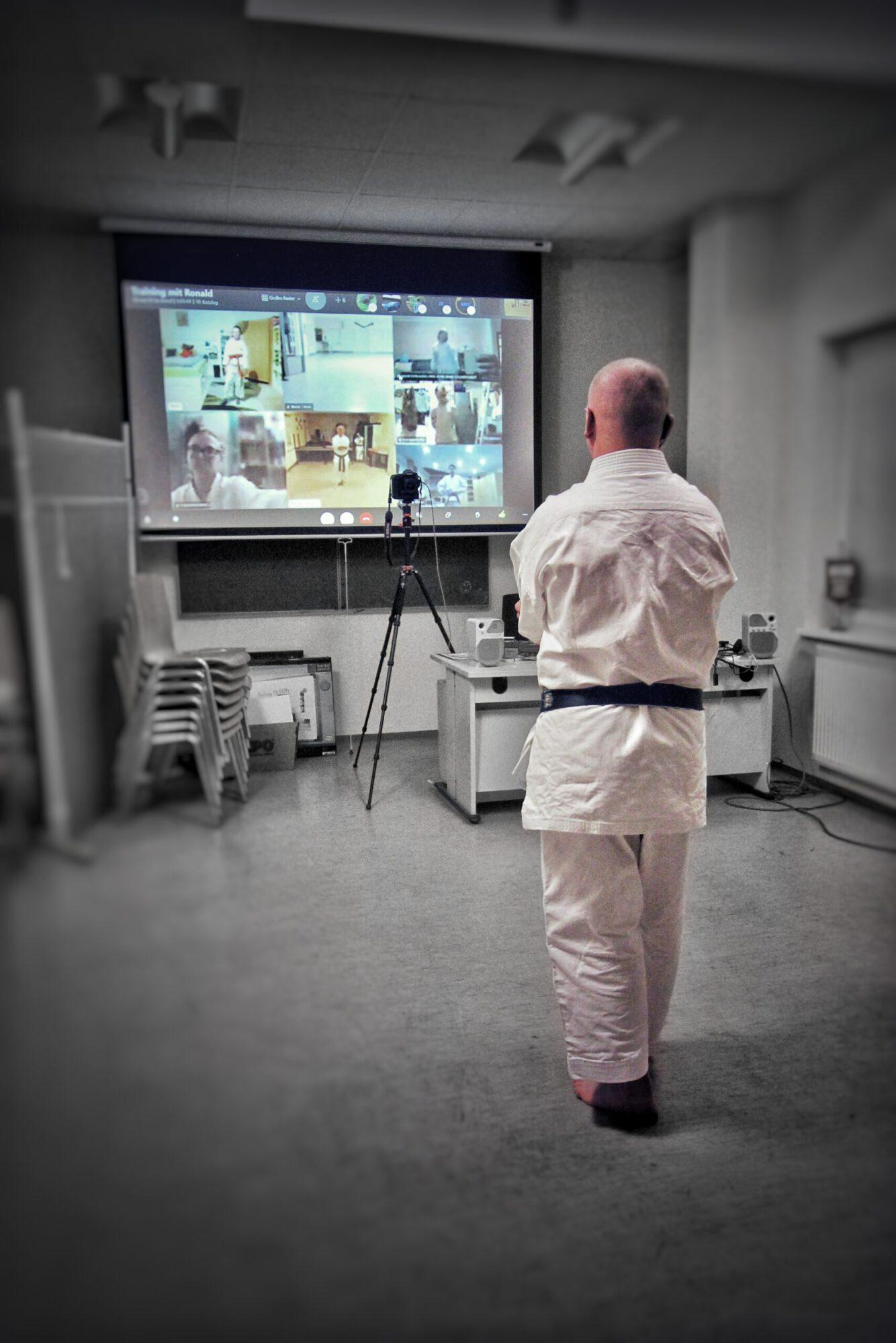 Erstes Online-Training